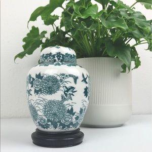 VINTAGE Japanese Ginger Jar with Stand and Lid Por